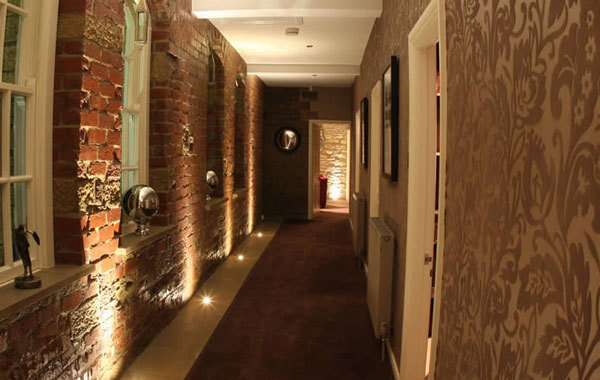 Фотография:  в стиле Лофт, Современный, Декор интерьера, Освещение, Мебель и свет – фото на InMyRoom.ru