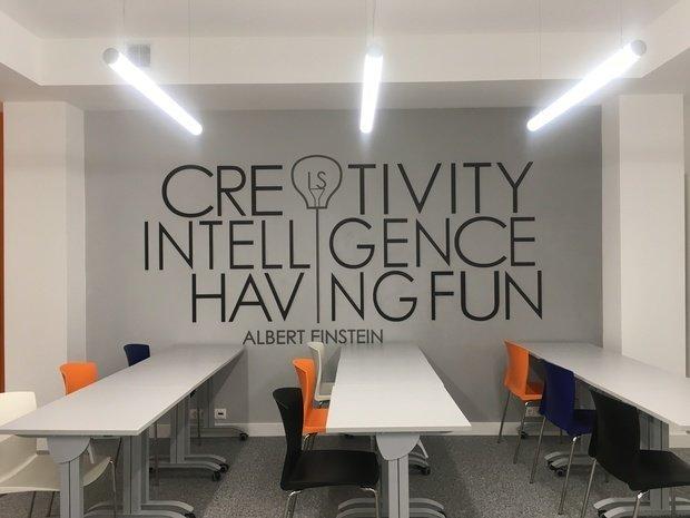 Фото из портфолио Офис IT компании - Тренниг класс – фотографии дизайна интерьеров на INMYROOM
