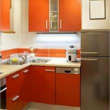Фотография: Кухня и столовая в стиле Современный, Хай-тек, Малогабаритная квартира, Интерьер комнат – фото на InMyRoom.ru