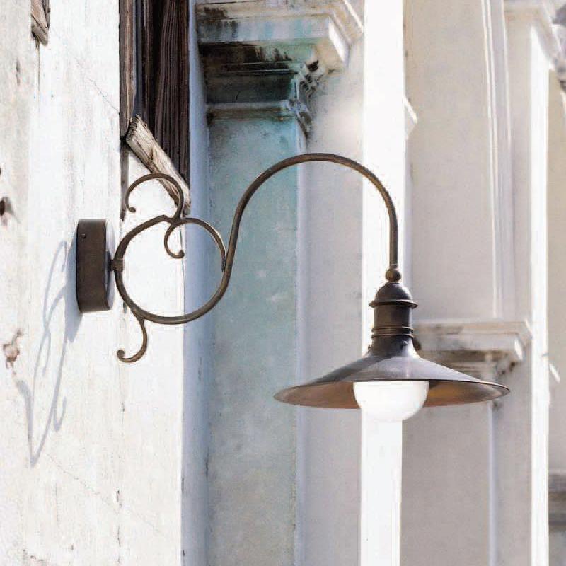 Купить Настенный светильник Aldo Bernardi Gherla из металла бронзового цвета с патиной, inmyroom, Италия
