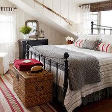 Фотография: Спальня в стиле Скандинавский, Декор интерьера, Интерьер комнат, Кровать – фото на InMyRoom.ru