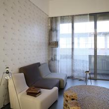 Фотография: Гостиная в стиле Современный, Малогабаритная квартира, Квартира, Италия, Дома и квартиры – фото на InMyRoom.ru