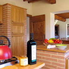Фотография: Кухня и столовая в стиле Кантри, Лофт, Дома и квартиры, Городские места, Замок – фото на InMyRoom.ru