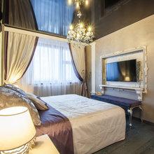 Фотография: Спальня в стиле Классический, Современный, Декор интерьера, натяжные потолки в комнате – фото на InMyRoom.ru