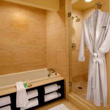 Фотография: Ванная в стиле Минимализм, Эко, Интерьер комнат, Системы хранения, Полки – фото на InMyRoom.ru
