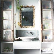 Фотография: Ванная в стиле Кантри, Советы, уборка квартиры, уборка ванной комнаты, уборка кухни, простая уборка, как быстро навести порядок дома – фото на InMyRoom.ru