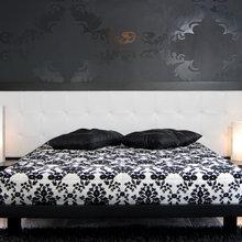 Фотография: Спальня в стиле Классический, Современный, Эклектика, Декор интерьера, Квартира, Дом, Дизайн интерьера, Цвет в интерьере – фото на InMyRoom.ru