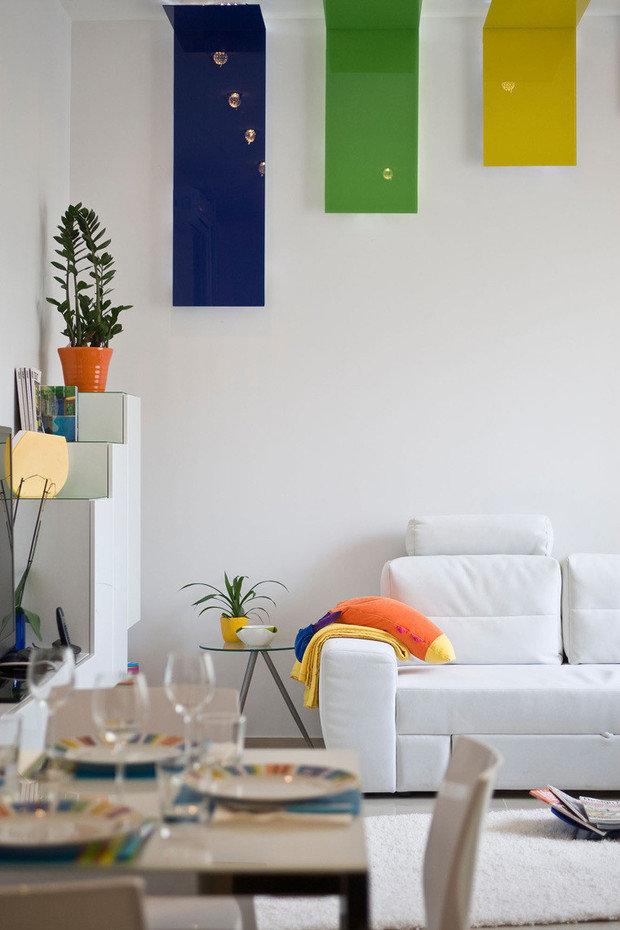 Фотография: Гостиная в стиле Современный, Эклектика, Декор интерьера, Декор дома, Цвет в интерьере, Геометрия в интерьере – фото на InMyRoom.ru