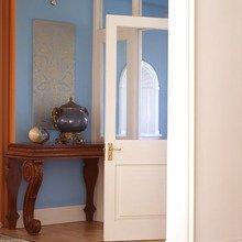 Фотография: Прихожая в стиле Кантри, Восточный, Декор интерьера, Дизайн интерьера, Цвет в интерьере, Советы, Dulux, Синий – фото на InMyRoom.ru