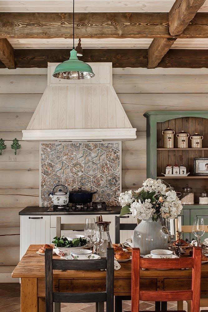 Фотография: Кухня и столовая в стиле Прованс и Кантри, Дом, Дома и квартиры, Проект недели, Эко – фото на InMyRoom.ru