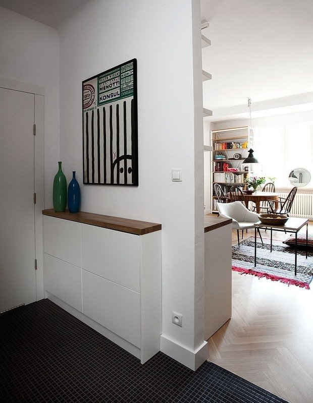 Фотография: Прихожая в стиле Скандинавский, Лофт, Квартира, Цвет в интерьере, Дома и квартиры, Белый, Стена – фото на InMyRoom.ru
