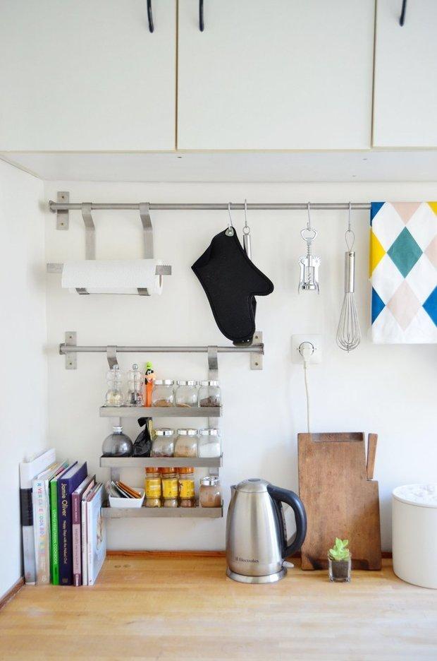 Фотография: Кухня и столовая в стиле Скандинавский, Малогабаритная квартира, Квартира, Дома и квартиры, Минимализм, Ретро – фото на InMyRoom.ru
