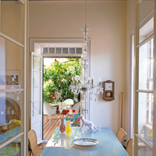 Фотография: Кухня и столовая в стиле Кантри, Дома и квартиры, Интерьеры звезд, Ретро – фото на InMyRoom.ru