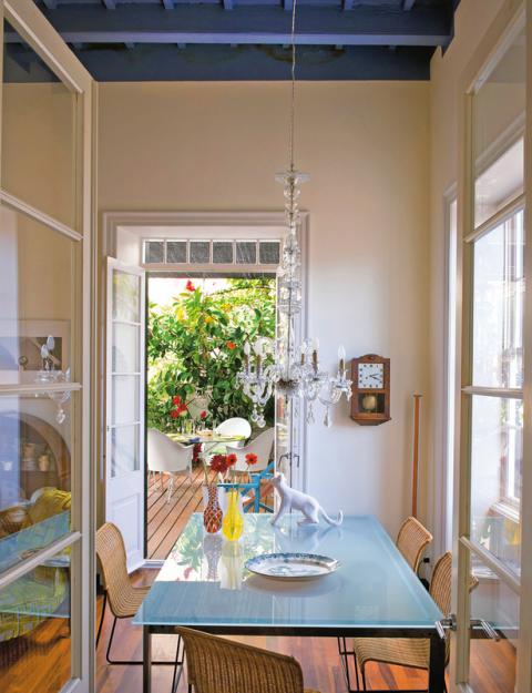 Фотография: Кухня и столовая в стиле Прованс и Кантри, Дома и квартиры, Интерьеры звезд, Ретро – фото на InMyRoom.ru