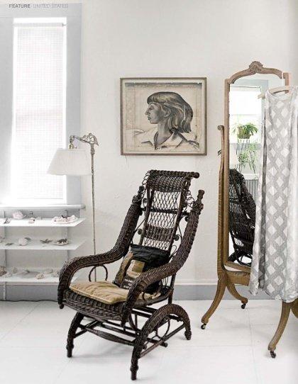 Фотография:  в стиле , Спальня, Интерьер комнат, Кровать, Гардероб, Комод, Пуф, Табурет – фото на InMyRoom.ru