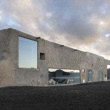 Фото из портфолио  Современная ферма в окружении вулканического пейзажа – фотографии дизайна интерьеров на INMYROOM