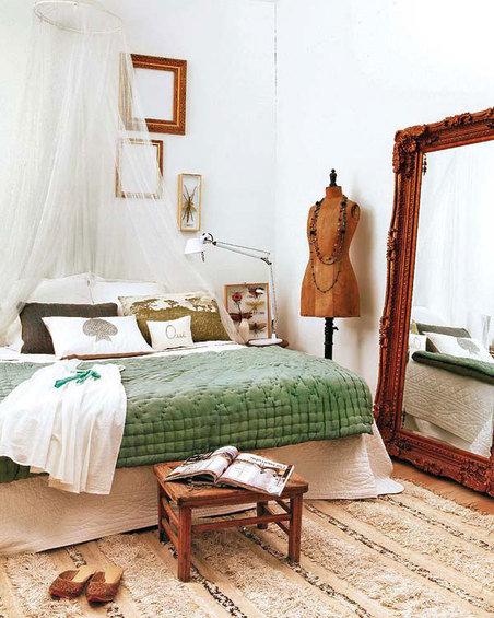Фотография: Спальня в стиле Прованс и Кантри, Восточный, Декор интерьера, Квартира, Цвет в интерьере, Дома и квартиры, Стены – фото на InMyRoom.ru