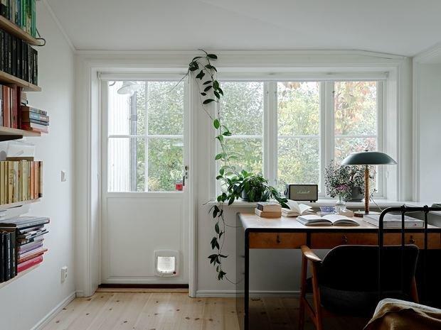 Фотография: Кабинет в стиле Скандинавский, Минимализм, Дом и дача, 4 и больше, Более 90 метров – фото на INMYROOM