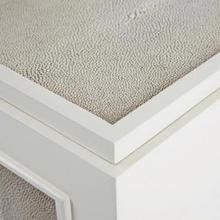 Тумба TAYLOR NIGHTSTAND / CREAM LACQUER AND SHAGREEN