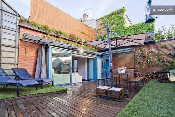 Фотография: Гостиная в стиле Минимализм, Квартира, Дома и квартиры, Барселона, Airbnb – фото на InMyRoom.ru