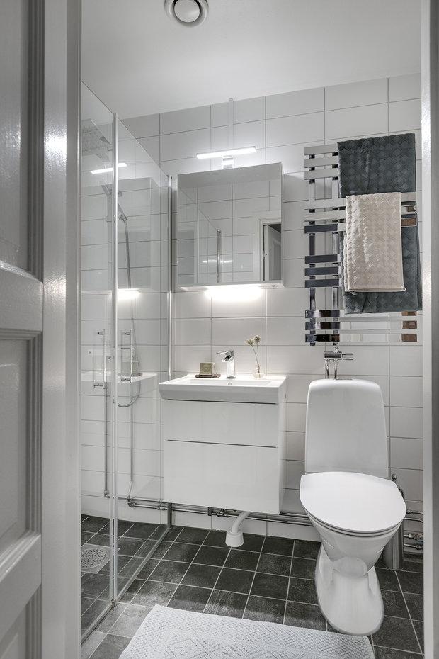 Фотография: Ванная в стиле Современный, Декор интерьера, Квартира, Швеция, Гетеборг, 2 комнаты – фото на InMyRoom.ru
