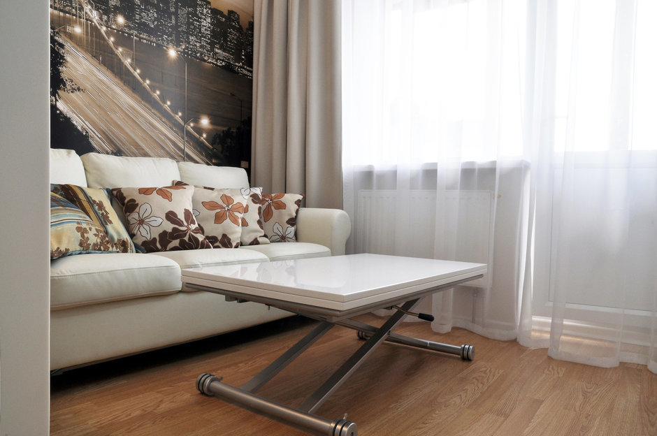 Фотография: Гостиная в стиле Лофт, Современный, Малогабаритная квартира, Квартира, Цвет в интерьере, Дома и квартиры, Белый, Переделка – фото на InMyRoom.ru