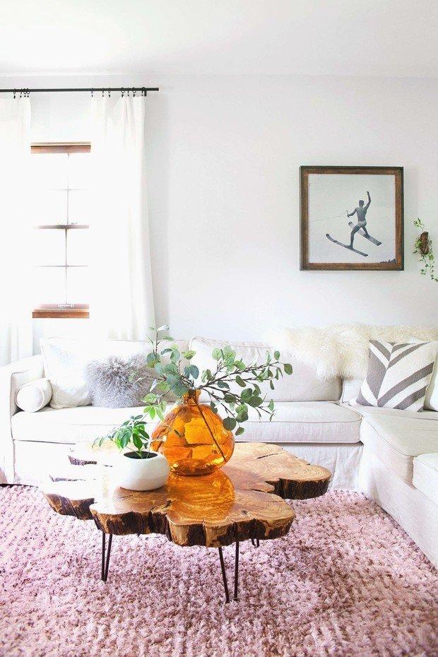 Фотография: Гостиная в стиле Современный, Декор интерьера, дерево в интерьере, тренды 2019 – фото на INMYROOM