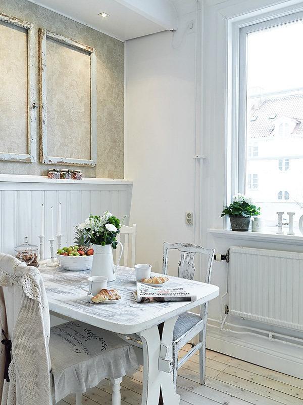 Фотография: Кухня и столовая в стиле Прованс и Кантри, Декор интерьера, Квартира, Белый – фото на InMyRoom.ru