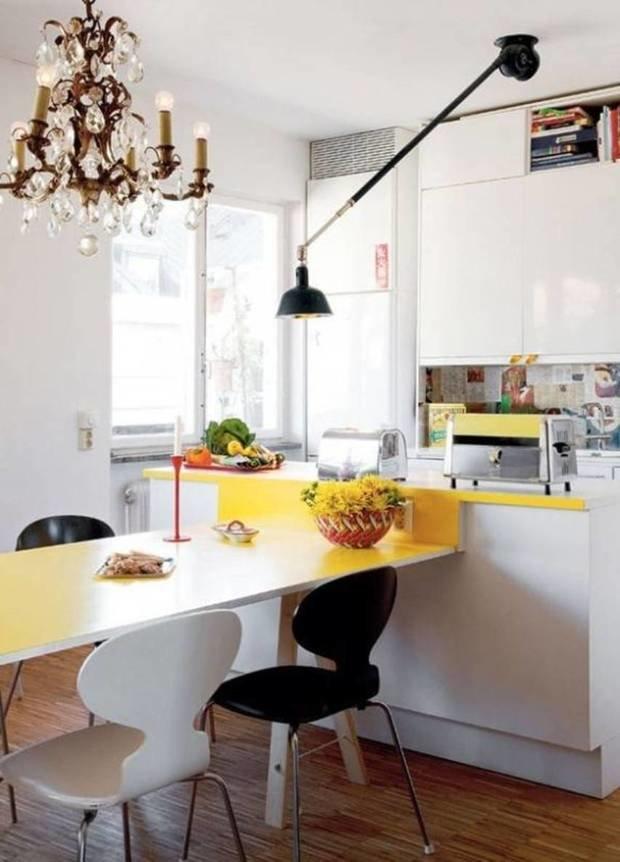 Фотография: Кухня и столовая в стиле Эклектика, Малогабаритная квартира, Интерьер комнат – фото на InMyRoom.ru