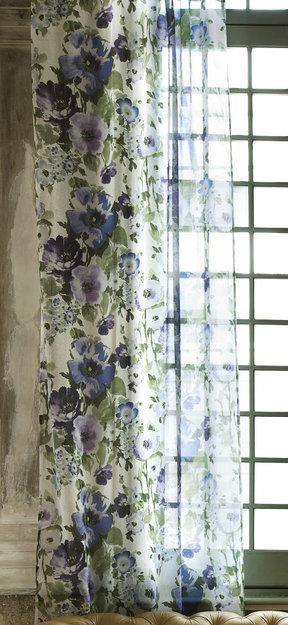 Фотография:  в стиле , Цвет в интерьере, Стиль жизни, Советы, Ткани, Галерея Арбен, Шторы, Окна – фото на InMyRoom.ru