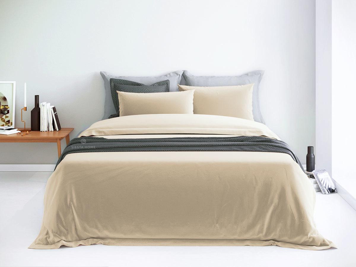 Комплект постельного белья кремового цвета, простынь 180х200 на резинке