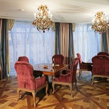 Фото из портфолио Обеденная комната в английском стиле – фотографии дизайна интерьеров на InMyRoom.ru