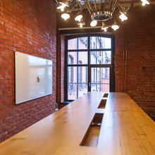 Фотография: Офис в стиле Лофт, Современный, Эклектика, Офисное пространство, Дома и квартиры – фото на InMyRoom.ru