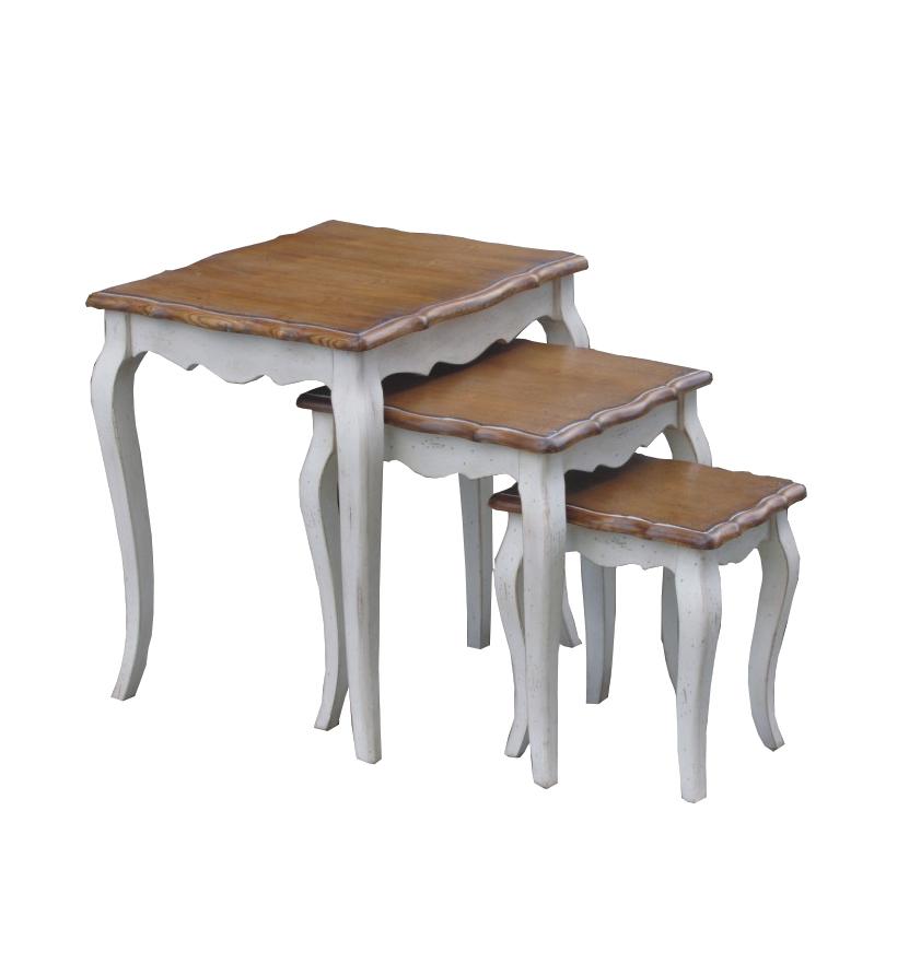 Набор из трех кофейных столиков с массива березы