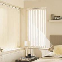 Фотография: Спальня в стиле Современный, Квартира, Декор, Советы, как выбрать жалюзи, жалюзи на окна – фото на InMyRoom.ru