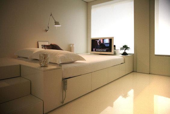 Фотография: Спальня в стиле Современный, Минимализм, Декор интерьера, Малогабаритная квартира, Квартира, Дом, Дома и квартиры – фото на InMyRoom.ru
