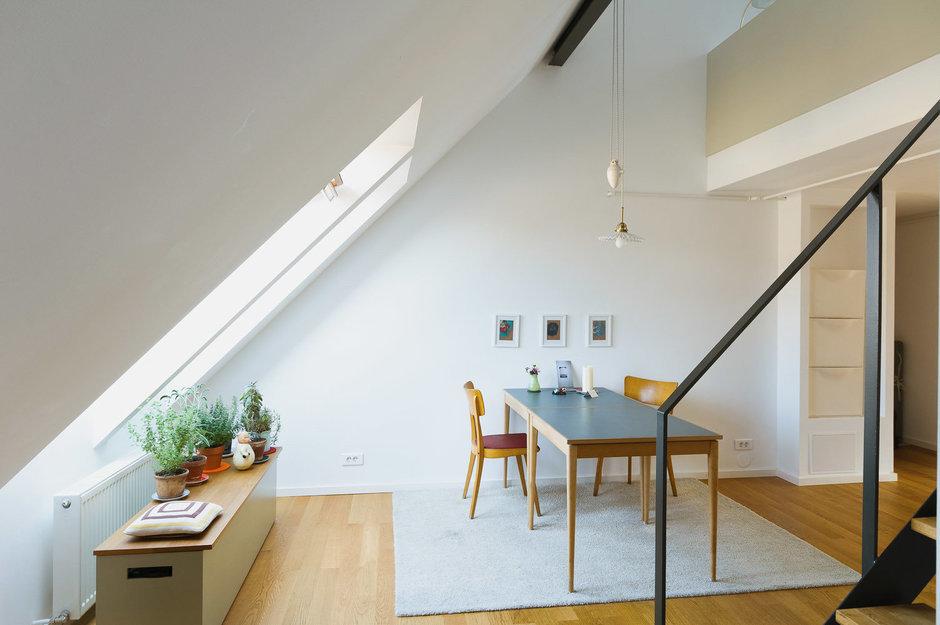 Фотография: Кухня и столовая в стиле Лофт, Современный, Дом, Дома и квартиры, Мансарда – фото на InMyRoom.ru