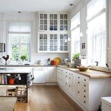 Фотография: Кухня и столовая в стиле Скандинавский, Декор интерьера, Дизайн интерьера, Цвет в интерьере, Белый, Серый – фото на InMyRoom.ru