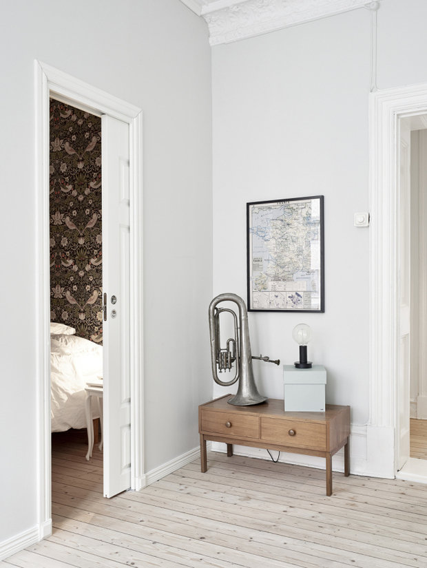 Фотография: Офис в стиле , Скандинавский, Малогабаритная квартира, Квартира, Декор, Мебель и свет, Белый – фото на InMyRoom.ru