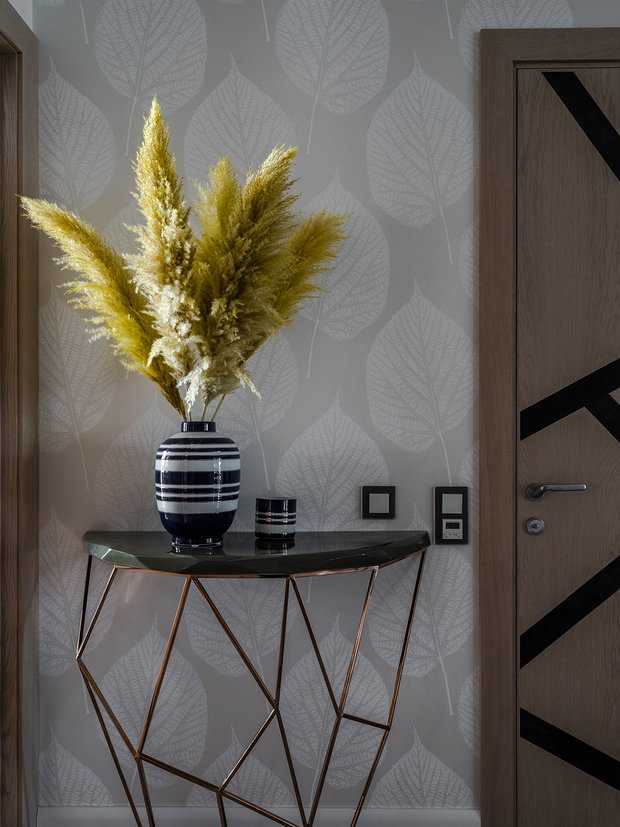 Фотография: Прихожая в стиле Современный, Квартира, Проект недели, Москва, Варвара Зеленецкая, Монолитный дом, 4 и больше, Более 90 метров – фото на INMYROOM