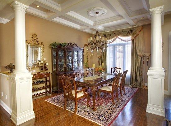 Фотография: Кухня и столовая в стиле Классический, Декор интерьера, Дом, Мебель и свет – фото на InMyRoom.ru
