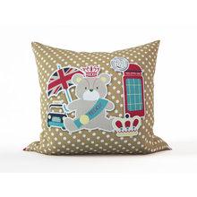Детская подушка: Мишка в Лондоне
