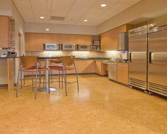 Фотография: Кухня и столовая в стиле , Стиль жизни, Советы, Пол – фото на InMyRoom.ru