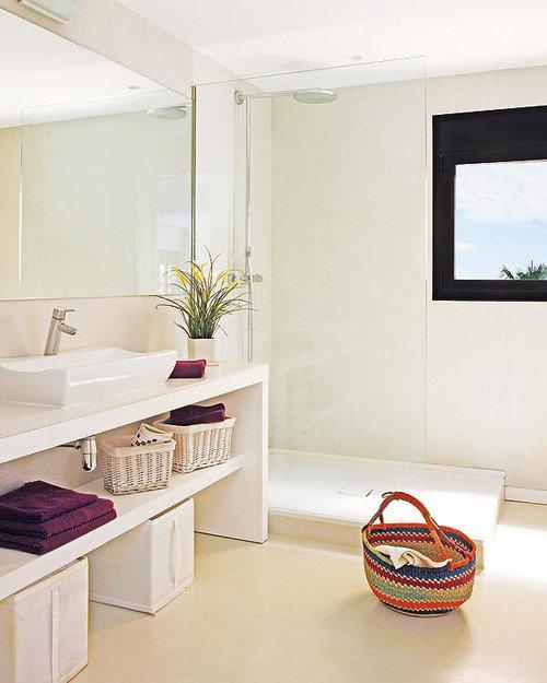 Фотография: Ванная в стиле Скандинавский, Лофт, Декор интерьера, Квартира, Цвет в интерьере, Дома и квартиры, Белый, Барселона – фото на InMyRoom.ru