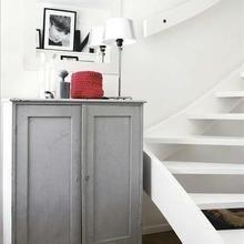 Фотография: Мебель и свет в стиле Скандинавский, Декор интерьера, Шкаф – фото на InMyRoom.ru