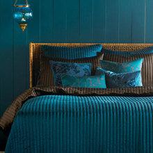 Фотография: Спальня в стиле , Декор интерьера, Дизайн интерьера, Цвет в интерьере, Белый, Серый, Бирюзовый – фото на InMyRoom.ru