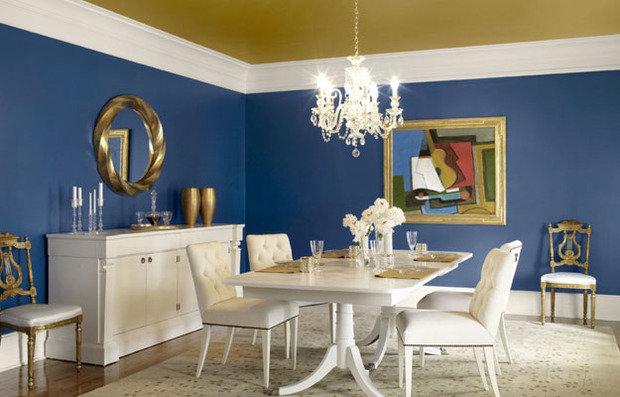 Фотография: Кухня и столовая в стиле Прованс и Кантри, Декор интерьера, Дизайн интерьера, Цвет в интерьере, Потолок – фото на InMyRoom.ru