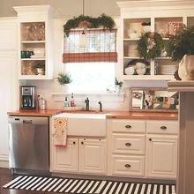 Фотография: Кухня и столовая в стиле Кантри, Скандинавский, Интерьер комнат, Полки – фото на InMyRoom.ru