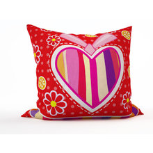 Декоративная подушка: Полосатое сердце