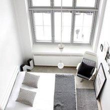Фотография: Спальня в стиле Скандинавский, Дизайн интерьера, Большие окна – фото на InMyRoom.ru